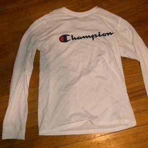 Champion Shirt ✨